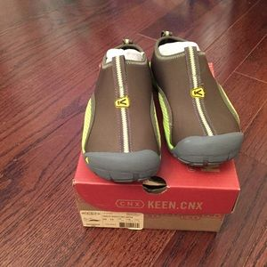 NWT Keen water shoes